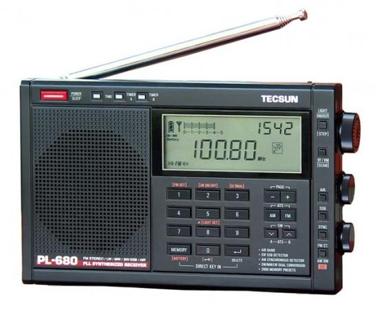 Tecsun PL-680, přehledový přijímač